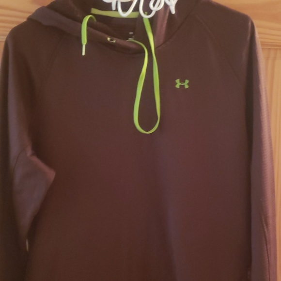 Under Armour Sweaters - Under armour sweatshirt